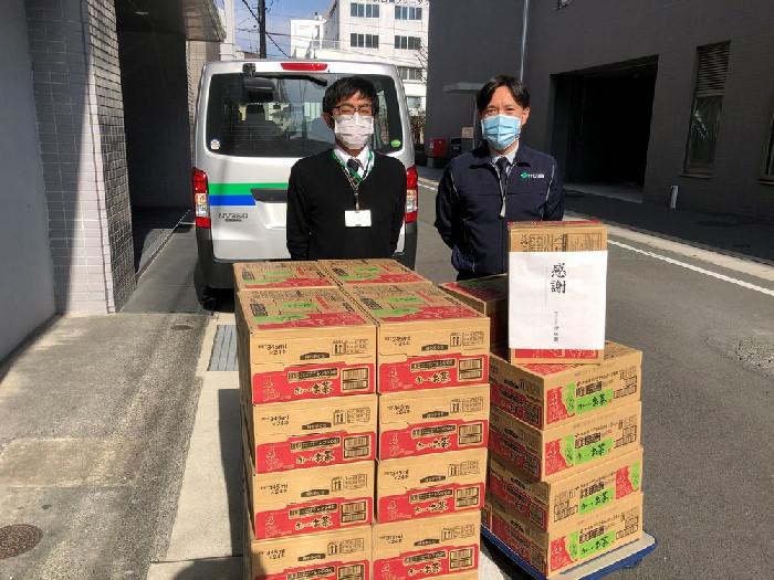 株式会社伊藤園(久留米支店)様より飲料720本と激励のお言葉を頂きました