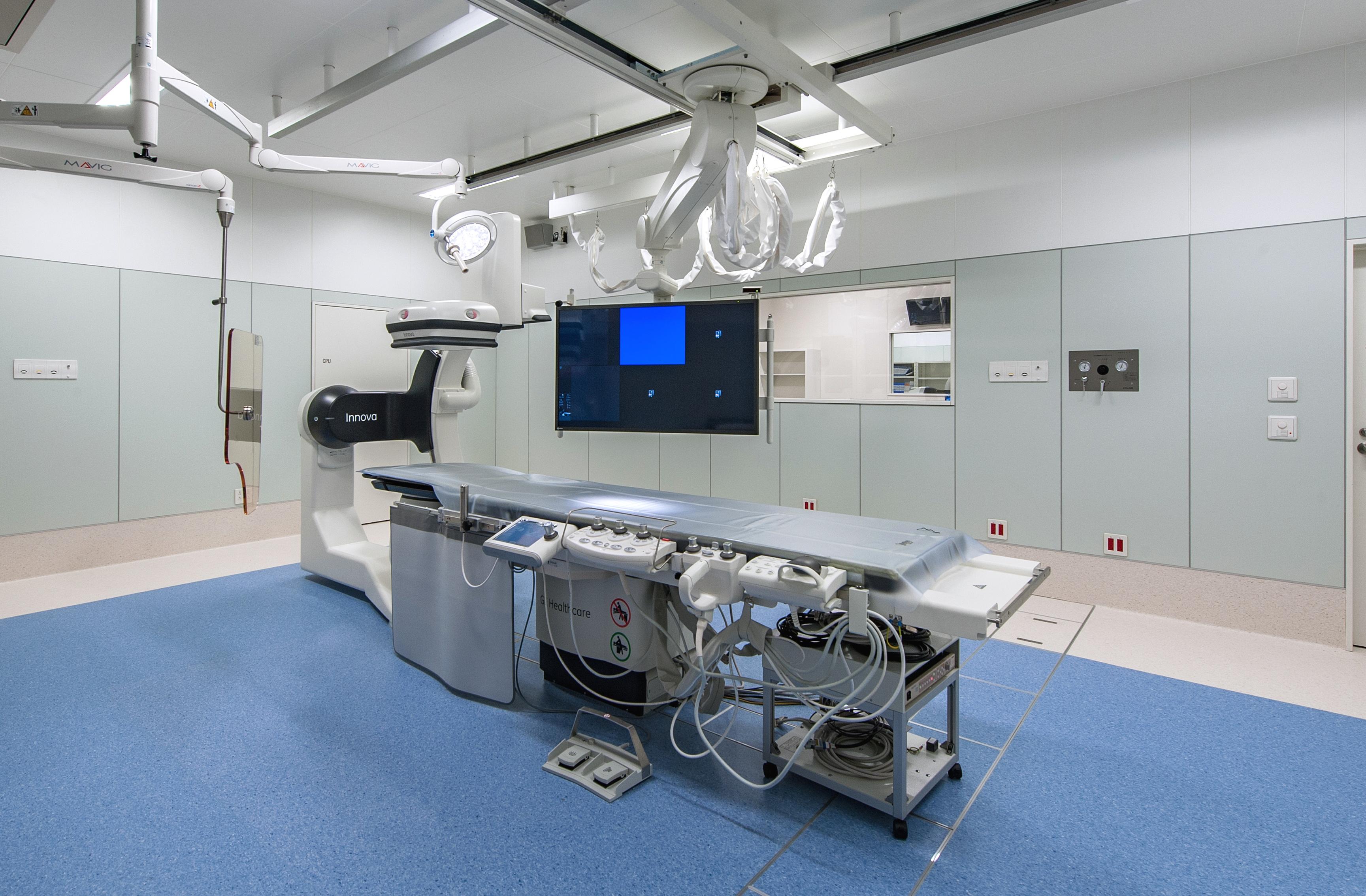 血管造影(アンギオ)装置