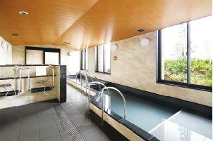 天然温泉の大浴室
